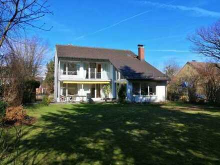 Schönes Haus mit 800qm Garten, separate ELW, 6 Zi, Kamin
