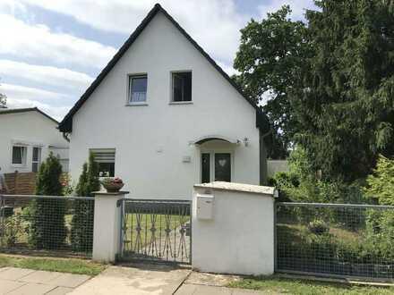 Freistehendes EFH im Herzen von Hohen Neuendorf mit Gartenhaus