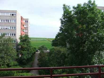 3,5 - Zimmer Wohnung mit weitreichendem Ausblick in ruhiger Lage von Ditzingen - Hirschlanden
