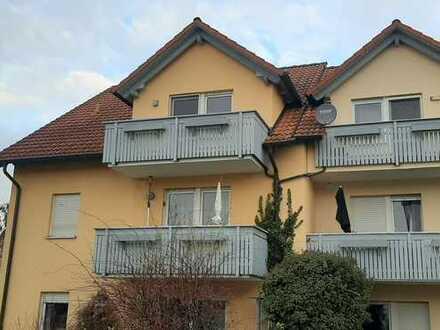 Renovierte helle 3,5-Zimmer-DG-Maisonette-Wohnung mit Balkon in Buttenheim