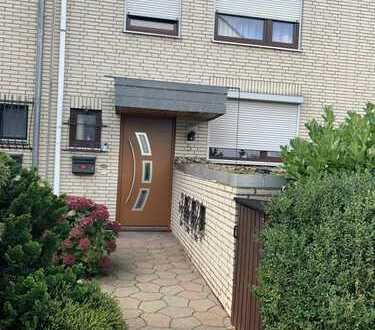 Schönes saniertes Haus mit fünf Zimmern in Bremen, Habenhausen