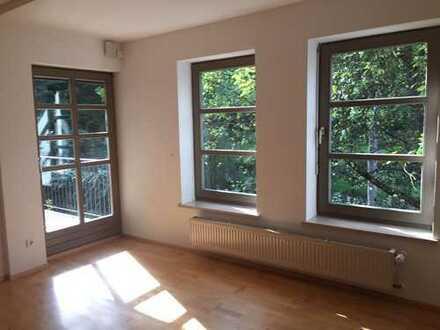Gepflegte 3-Zimmer-EG-Wohnung mit Balkon/Garten und EBK in der Innstadt