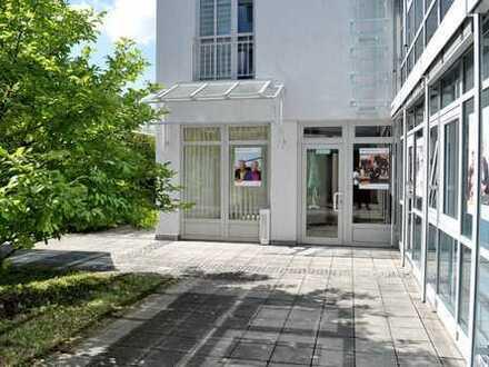 Geräumige und helle Büro-/Ladenfläche im Ortszentrum
