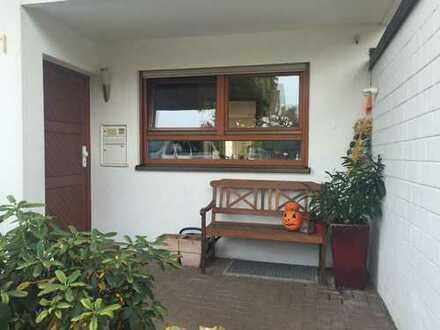 Ruhig gelegene 5 Zi.-Whg / DHH in Bietigheim-Bissingen auf der Lug