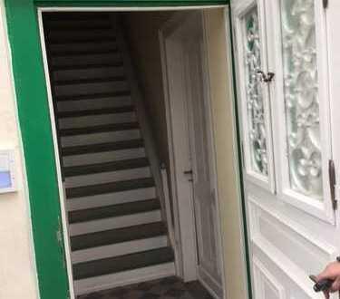 2 Zimmer-Altbauwohnung ab sofort frei - Schwelm, Hauptstr. - leichte Hausmeistertätigkeiten