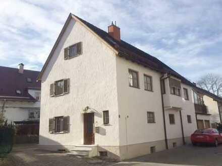 Gepflegtes Einfamilienhaus mit Einliegerwohnung in zentraler Lage
