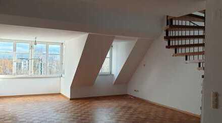 Wunderschöne 4-Zimmer-Wohnung mit EBK und herrlichem Mainblick im Herzen von Schweinfurt
