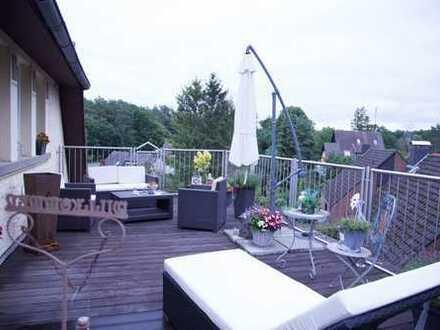 Sehr schöne, geräumige fünf Zimmer Dachgeschosswohnung in Lippe (Kreis), Detmold