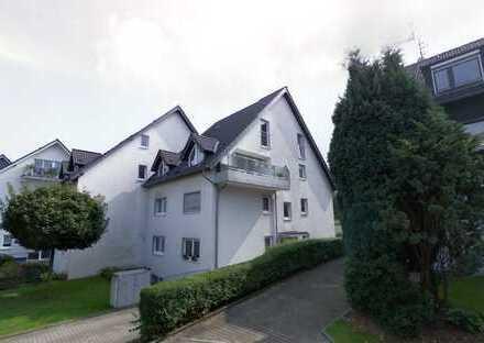 Schöne 5,5-Zimmer-Wohnung mit Terrasse und eigenem Garten in Essen-Schönebeck mit 2 Garagen