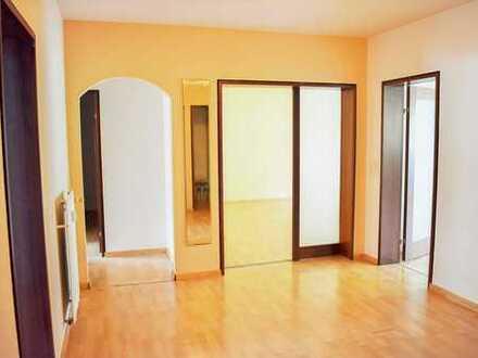 Tatkräftige Hände für 4-Zi.-ETW mit 112 m² und 2 Stellplätzen gesucht - Verkauf gegen Gebot!