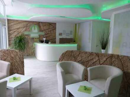 175 m² in bester Sichtlage | Sonnenstudio zur Übernahme