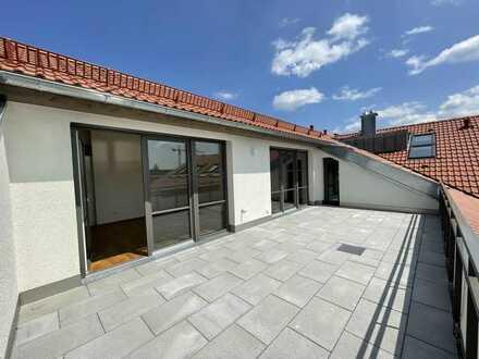 Wunderschöne Dachterrassenwohnung mit zwei Bädern zum Erstbezug!
