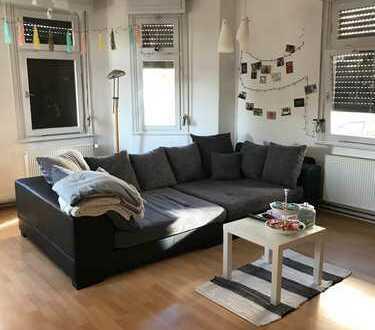 Sanierte 4,5-Zimmer-Hochparterre Altbauwohnung mit EBK in Reutlingen