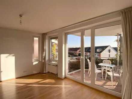 Findorff von privat: Stilvolle, helle 2-Zimmer-Wohnung mit Südbalkon und Einbauküche