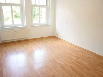 TOP 2-Zi.-Whg. mit Laminat / Bad mit Fenster + Dusche