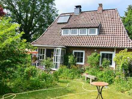 Schönes Häuschen für Gartenliebhaber