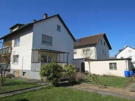 Gepflegtes Haus mit 3 Wohneinheiten in Top Lage von Mörsch! Großer Garten+Garage!