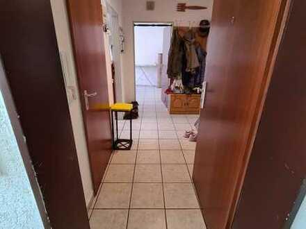 2 Zimmer Erdgeschoss mit Balkon-nur mit gültigem WBS für 2 Personen-Bitte SONSTIGES Lesen