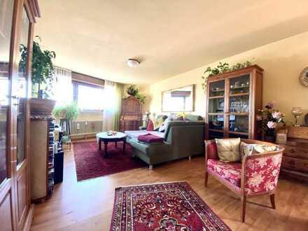 Gemütliche 3,5 Wohnung mit zwei Balkonen und einem TG-Stellplatz!