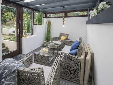 PROVISIONSFREI: 2-Zimmer Wohnung in Top-Lage der Oststadt mit eigenem Garten und Kamin