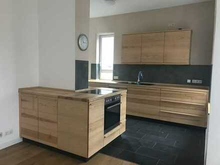 Traumhafte 3 Zimmerwohnung im 3 Familienhaus zum 01.09.2020