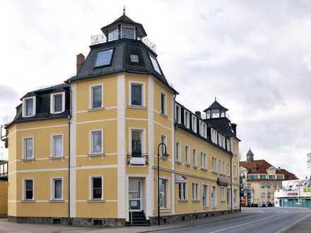 frisch renovierte Wohnung mit Einbauküche,sowie großenzügigen Masterbad,HWR und Gästebad