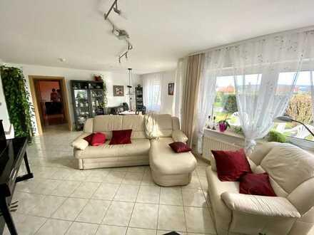 Stilvolle, geräumige Zweieinhalb-Zimmer-Wohnung mit Terrasse in Südlage in Mühlacker-Enzberg