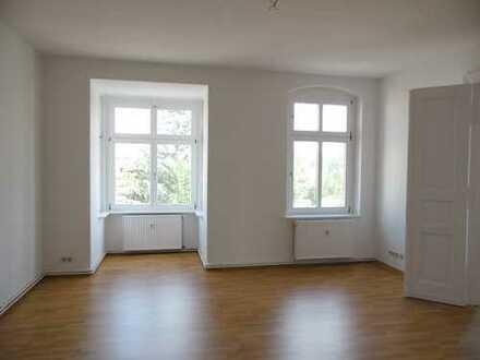 Renovierte & freundliche 4-Raum-Wohnung in Forst
