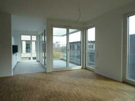 4 Zimmer Wohnung mit Loggia / Dachterrasse und Einbauküche