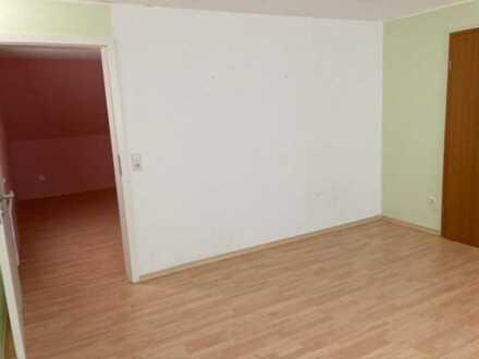 Stilvolle, sanierte 3-Zimmer-DG-Wohnung mit Einbauküche in Lauterbach