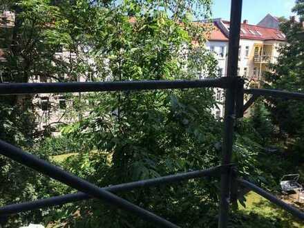 4-Raumwohnung + Küche und Bad / ruhige Seitenstraße, WG-geeignet, gut gedämmt