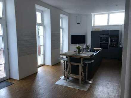 Exklusive, geräumige 4-Zimmer-Loft-Wohnung mit Großer Terrasse in Düsseldorf