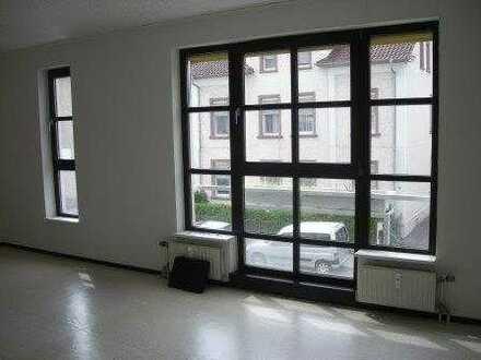 Freundliche - helle 3-Zimmer-Wohnung mit Balkon und Einbauküche in Worms