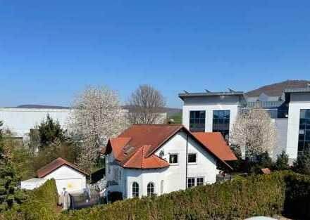 Sehr schönes Einfamilienhaus mit Dachgeschoss Wohnung, Büro, Wellness, wunderschönen Garten im Aalen
