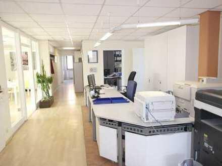 Helle Büroräume 150-300 m² mit Archiv/Lager