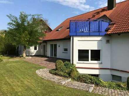 7 8 9. 0 0 0,- für gepflegtes 2 1 8 qm Zweifamilienhaus mit Spielgarten + SAUNA im Souterrain