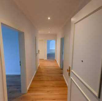 Sonnige 4+ Zimmer-Wohnung im Hochpaterre nach Komplettsanierung in Bothfeld