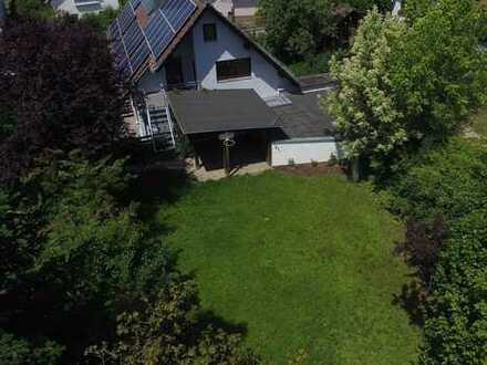 Gepflegtes, altersgerechtes Ein- / Zweifamilienhaus mit PV-Anlage in Metten