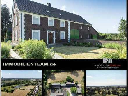 Historische Hofanlage in Rheinnähe von Duisburg Walsum