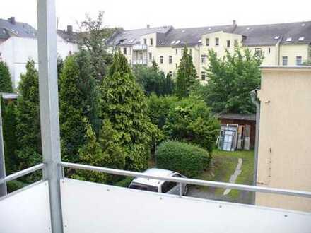 1 Monat kaltmietfrei - Viel Platz für eine kleine Familie in einer 3 Raum Wohnung mit Balkon und ...
