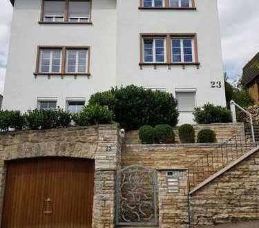 2-Zimmer-Wohnung mit EBK in ruhiger Wohnlage Stuttgart-Untertürkheim
