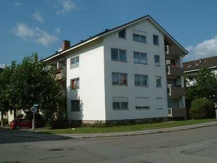 Helle 3-4 Zimmerwohnung im Dachgeschoss