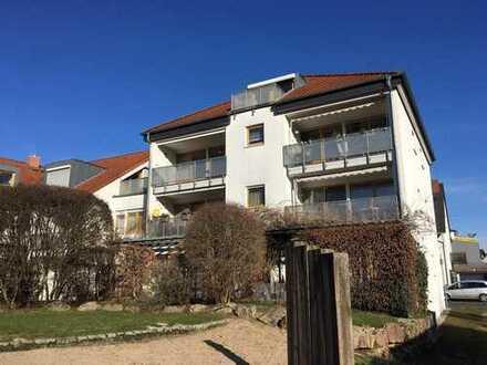 Im Westen Frankfurts: zwei sonnige Zimmer für einen Single oder ein junges Paar