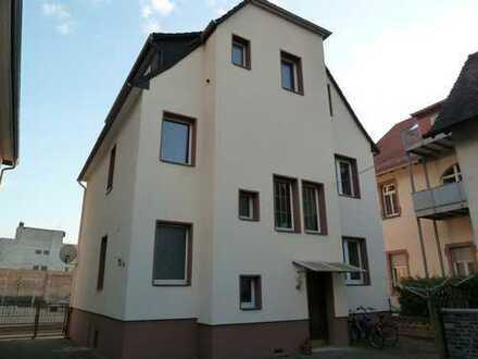 Schöne helle 6 ZKB Wohnung in zentraler Lage in Heppenheim