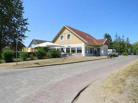 Kapitalanlage: Wohn- und Geschäftshaus, ein Haus mit viel Tradition, am Stettiner Haff mit Terrasse