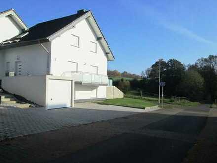 Modernes Niedrigernergiehaus A+ ,Lichtdurchflutet in ruhiger Ortsrandlage