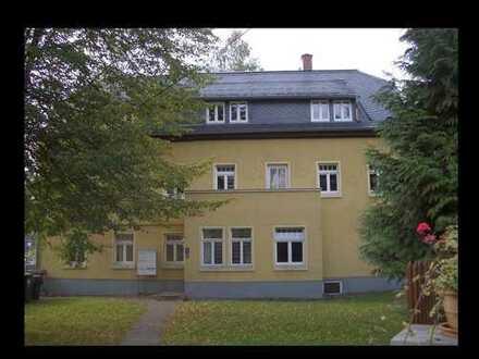 Gemütliche Dachgeschoss Wohnung - mitten im Grünen
