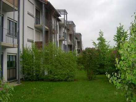 Helle, ruhige 1-Zimmer-Wohnung, 2. OG, 33 m², Einbauküche, Bad/WC, Balkon, Stellplatz, Keller