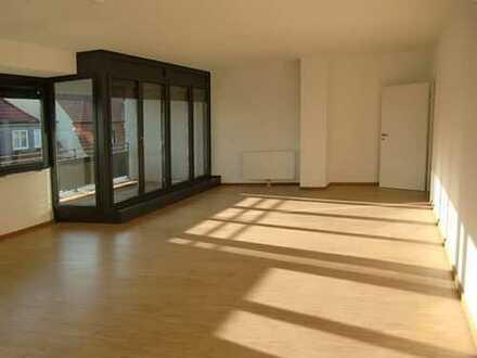 Topmoderne 3ZKB Wohnung mit Loggia