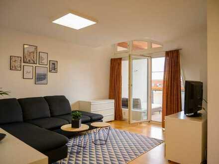Erstbezug nach Renovierung! Stilvoll möblierte 2-Zimmer-Wohnung in zentraler Lage
